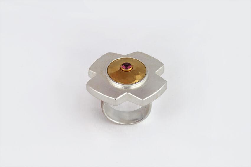 Ring R28